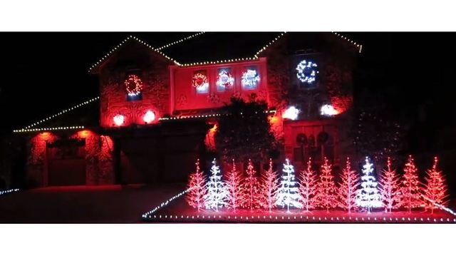 VIDEO: One Alabama football fan has taken his Christmas lights to the next  level - VIDEO: One Alabama Football Fan Has Taken His Christmas Lights To